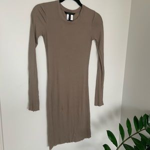 Form fitting knitted neutral taupe dress